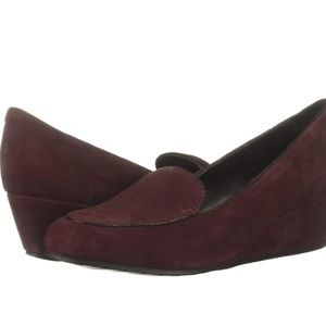 Kenneth Cole Reaction Women's Tip Wedge Loafer EUC